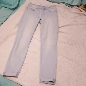 Light wash mid rise skinny jeans